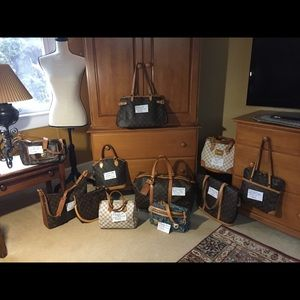 Lot of Louis Vuitton bags